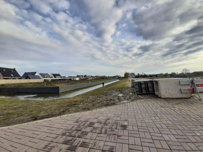 In Steehof III  zijn 21 kavels voor vrijstaande woningen te vergeven. Een bewoners van de Zanddijk heeft de eerste keus. De overige kavels worden via een loting verdeeld.