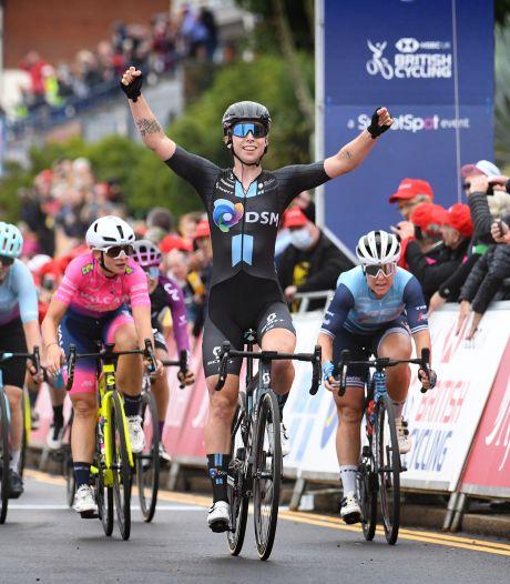 Wiebes sprint naar zege in vierde rit Women's Tour