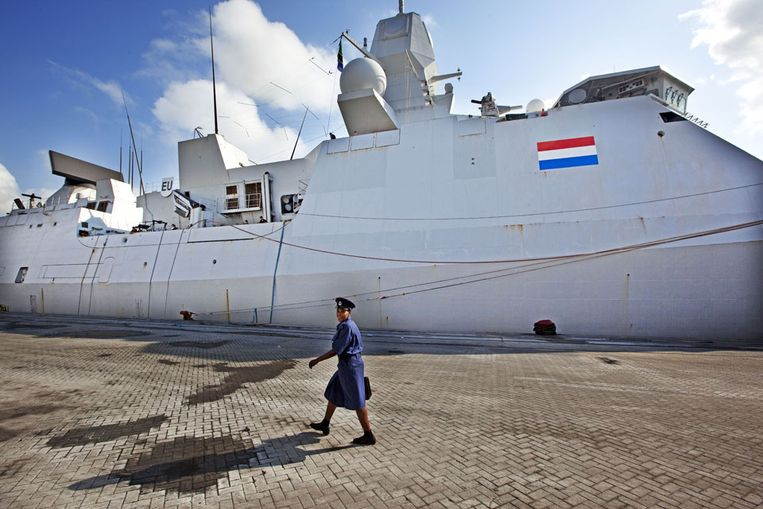 marinefregat Hr. Ms. Evertsen (ANP) Beeld