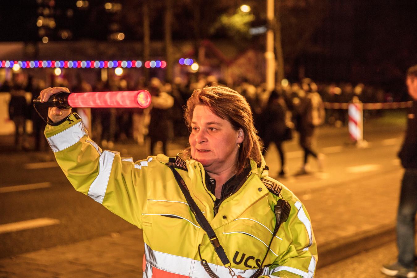 Verkeersregelaar Nicole Walschots.