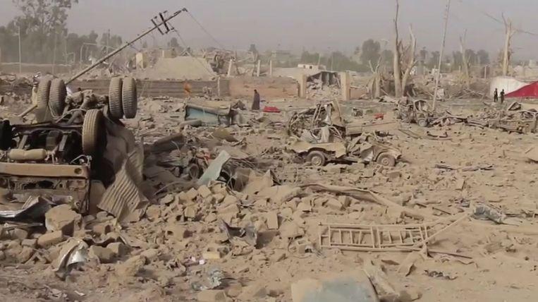 Hawija in Irak, na de explosie van een bommenfabriek van IS, veroorzaakt door een Nederlandse luchtaanval. Beeld