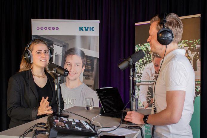 Yara Verschuren tijdens de opnames van de KVK-podcast Je Business de Baas.