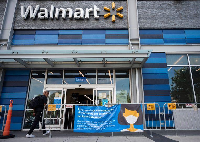 Een vestiging van Walmart in de stad Washington. Walmart is al acht jaar lang het bedrijf met de meeste omzet.  Beeld AFP