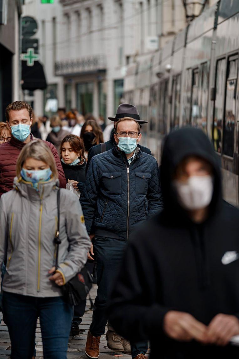 Ab Osterhaus (Nederlandse topviroloog): 'Je economie de hele tijd open en weer dicht doen, blijkt schadelijker dan in één klap het virus uitroken.' Beeld Eric de Mildt
