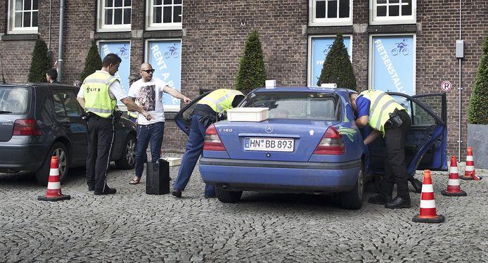 Preventief fouilleren in Maastricht.