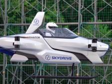 'Vliegende auto' maakt succesvolle testvlucht: moet over drie jaar te koop zijn