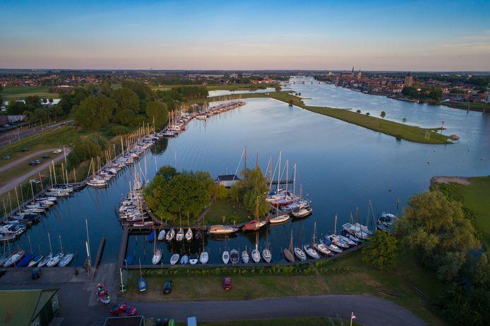 De haven van watersportvereniging en Jachthaven ZC '37.