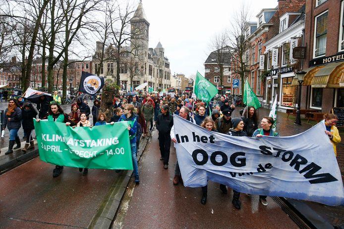 De klimaatmars voer dwars door Utrecht.