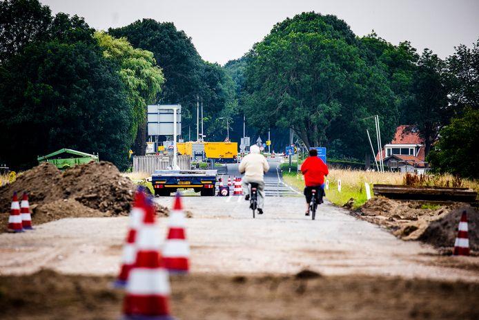 De wegwerkzaamheden op de N489 in Westmaas en Mijnsheerenland.