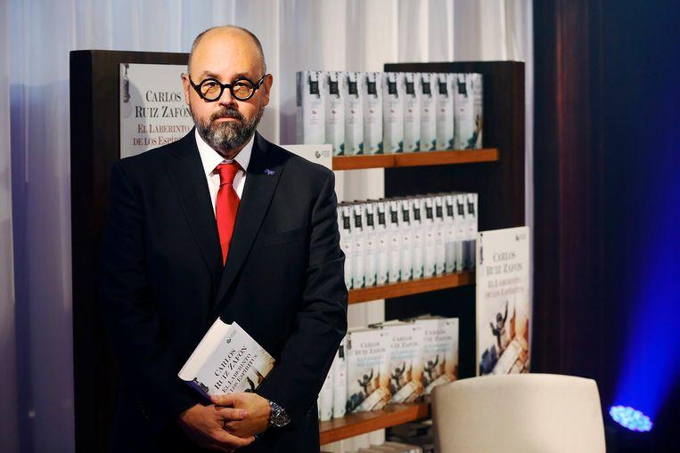 De Spaanse bestsellerauteur Carlos Ruiz Zafón. Beeld EPA