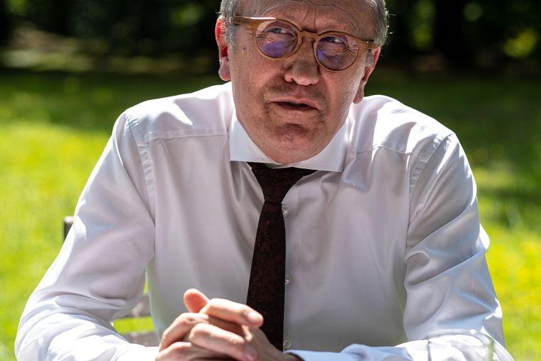 'John Crombez en ik praten niet over onze diepste zielenroerselen. Mannen die geboren zijn in de West-Vlaamse klei, die doen dat niet.' Beeld Wouter Maeckelberghe