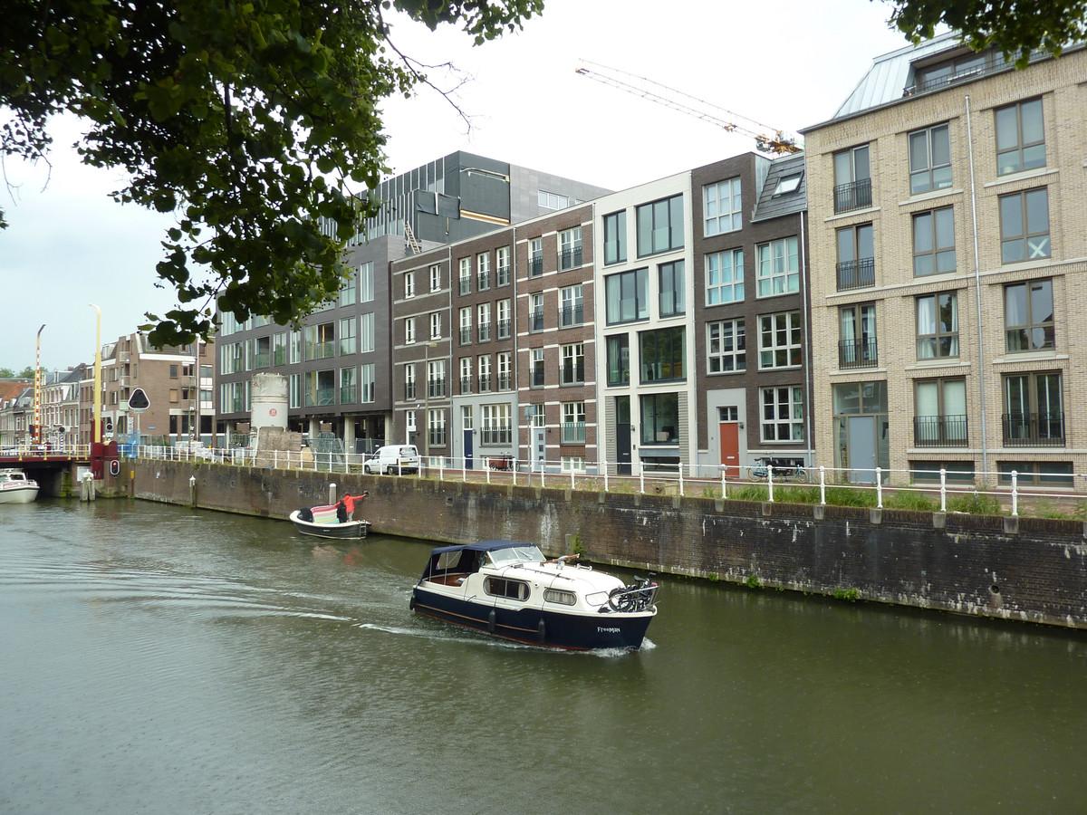 De Zeedijk is verguld met de nieuwbouw van Zijdebalen langs de Vecht.