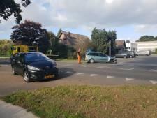 Drie auto's botsen op provinciale weg in Milsbeek