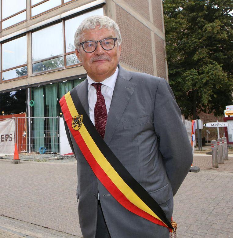 Volgens Verlinden wilde burgemeester Andre¿ Peeters (CD&V) een kandidaat voor een job doelbewust buizen.