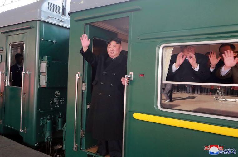 Kim Jong-un bij vertrek uit Pyongyang, 23 februari 2019  Beeld EPA
