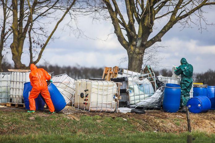 Op de Bus in Asten is vrijdag 26 op zaterdag 27 maart een lading van duizenden liters drugsafval gedumpt.