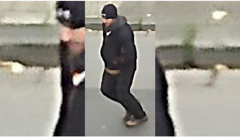 De Duitse politie heeft foto's gepubliceerd van een mogelijke verdachte die bij de inbraak in Emmerik betrokken zou zijn.