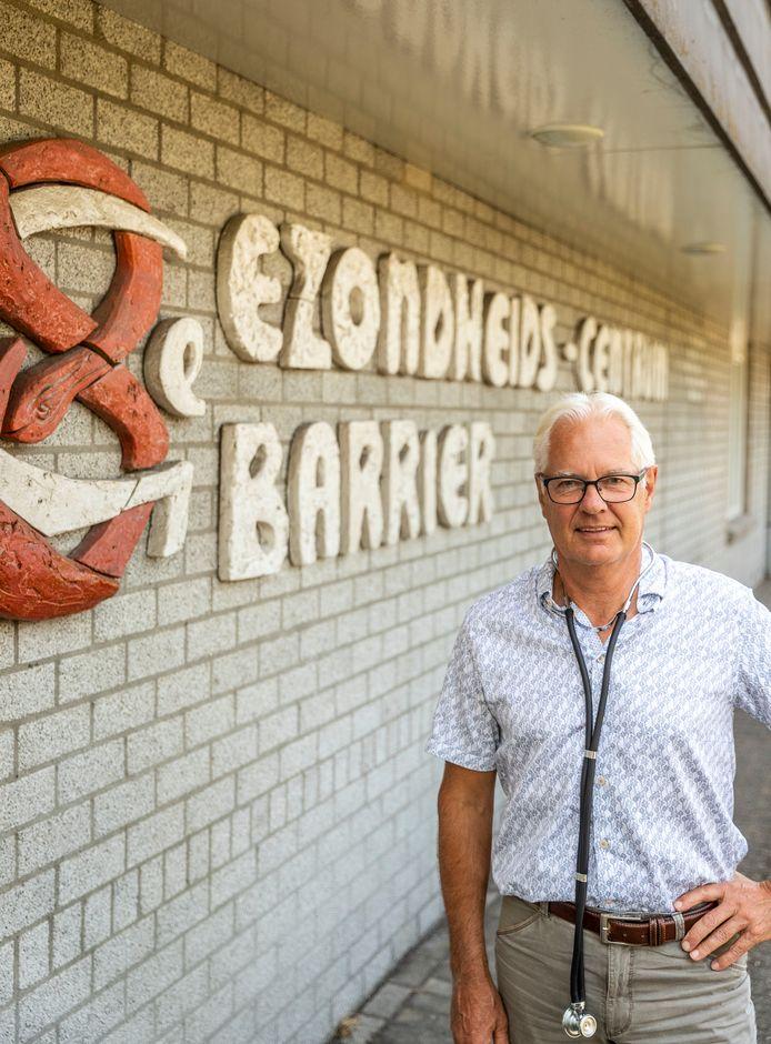 Huisarts Maarten Klomp neemt afscheid na ruim 37 jaar.