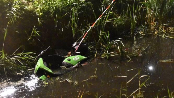 Scooter gevonden in water Benthuizen, geen personen aangetroffen