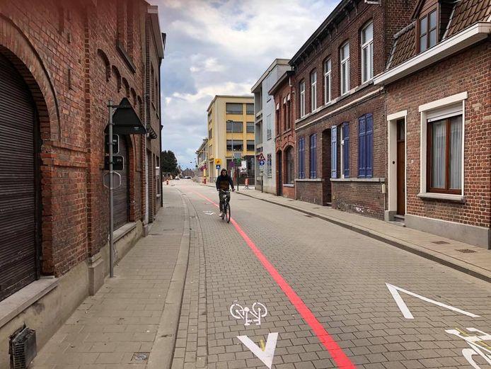 Er komen nog paaltjes om de fietsers te beschermen.