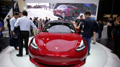 """Topingenieur Tesla op kritiek moment met verlof """"om op te laden"""""""