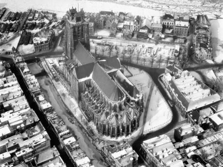 Deze foto van de Grote Kerk hield de gemoederen bezig, want wanneer is 'ie eigenlijk gemaakt?