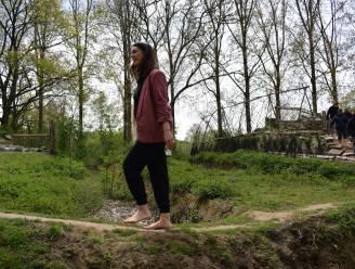 """Puyenbroeck opent blotevoetenpad: """"Natuurlijke voetmassage en gewoon heel erg plezant"""""""