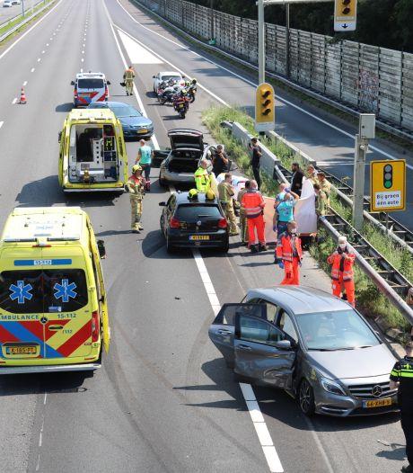 Meerdere auto's betrokken bij ongeluk A13
