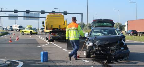 Gewonde na botsing op Rotterdamsebaan, korte file