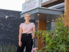Jonge chiropractor Barbara van de Sande vestigt zich in Aalst