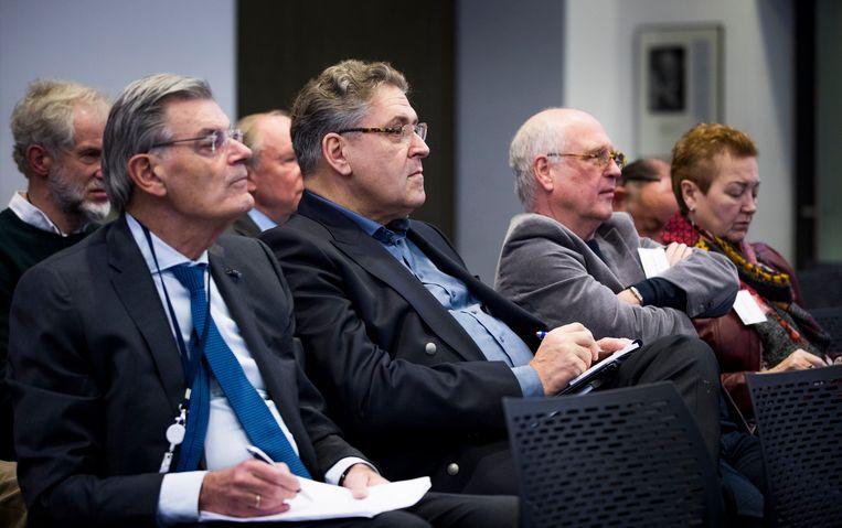 Martin van Rooijen (l) en Henk Krol (m) tijdens een persconferentie van 50PLUS Beeld  Freek van den Bergh
