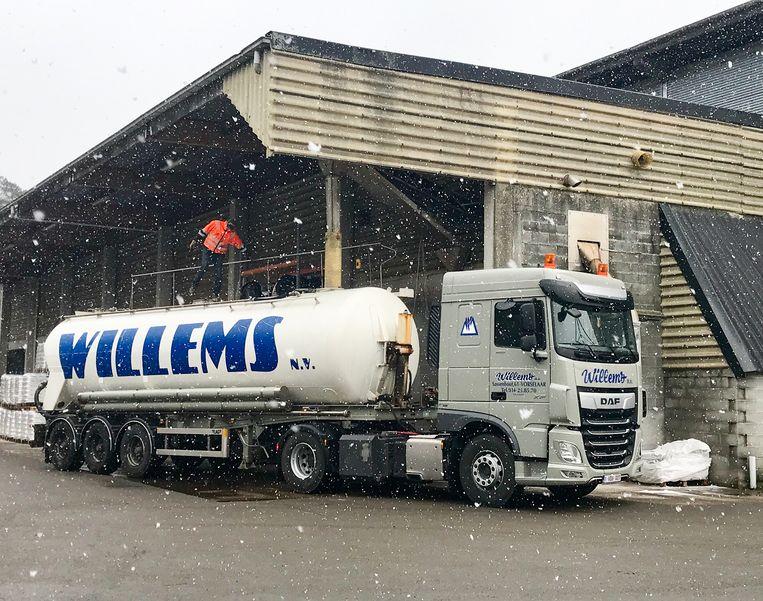 Dagelijks levert Willems ongeveer 2.500 ton strooizout aan zijn klanten.