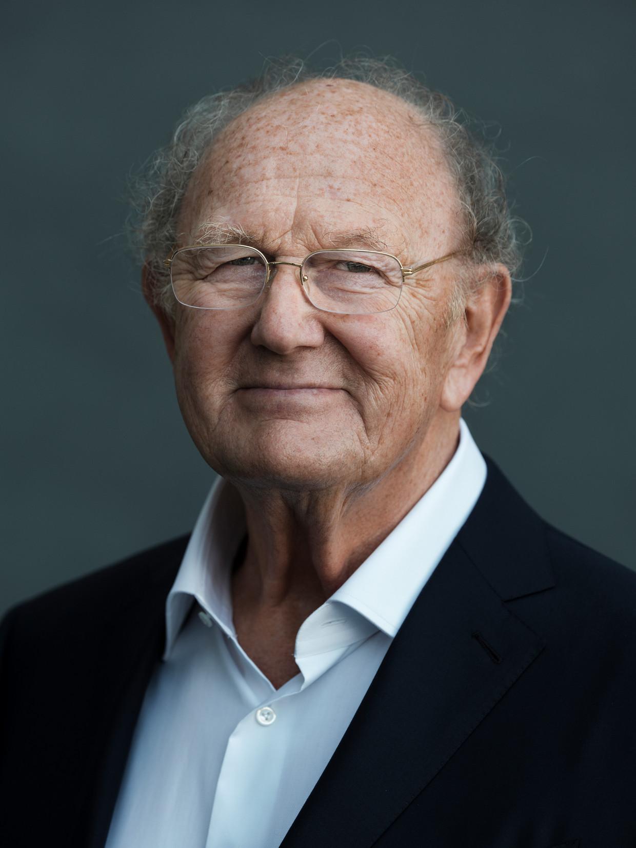 Joop van den Ende: 'Ik verwacht dat er in september 2021 een vaccin is, en dan lopen de zalen weer vol.'  Beeld Frank Ruiter