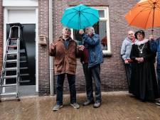 Jan Cremer vereeuwigt gedicht in Groenlo