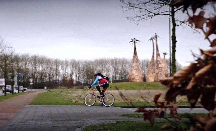 In de eerste plannen voor de snelfietsroute tussen Breda en Tilburg gaat deze nog dwars door Rijen, deels over bestaande paden. In het huidige plan loopt het pad ten zuiden van de Margrieten, het symbool van de gemeente Gilze en Rijen.