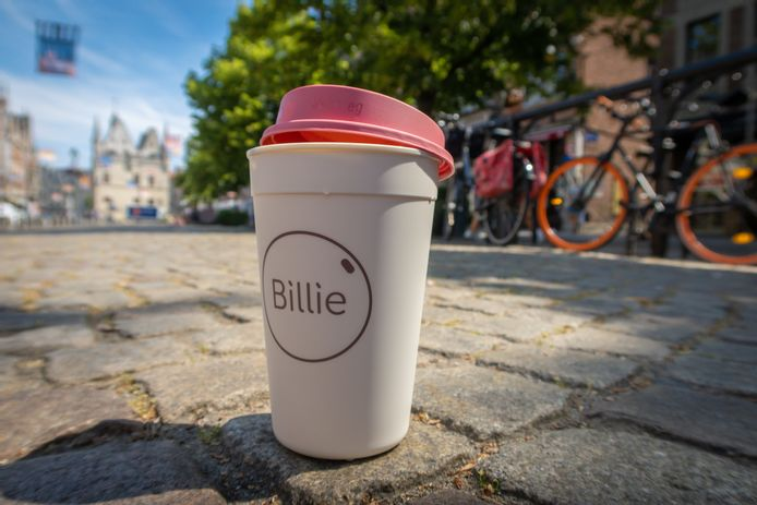 De Billie Cup heeft al heel wat Vlaamse steden veroverd, en duikt nu ook op in Bar Bristol in Oostende.