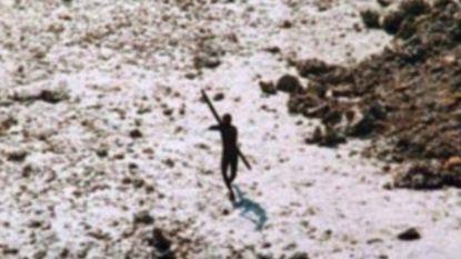 """Amerikaanse toerist dood teruggevonden na ontmoeting met geïsoleerde stam: """"Aangevallen met pijl en boog, maar hij bleef wandelen"""""""
