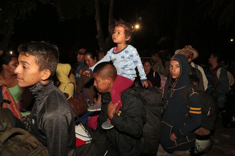 Een duizendtal Centraal-Amerikaanse migranten nemen deel aan de 'Migrant Viacrucis' richting de VS.