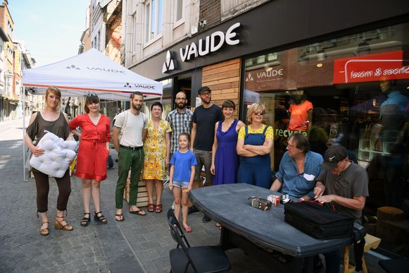 Eerste Repair Café voor buitensportmateriaal opent de deuren in Vaude Store Leuven