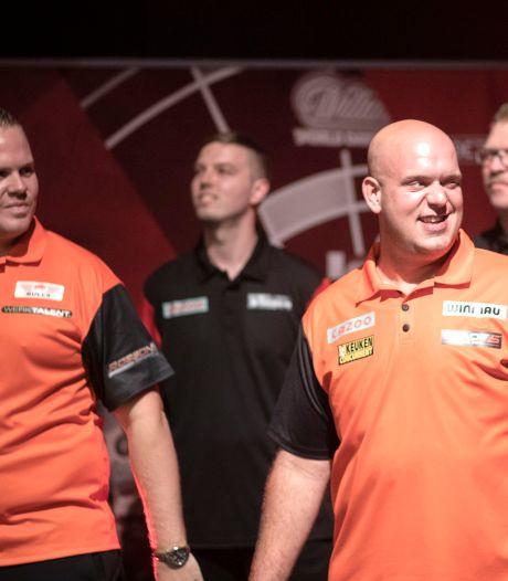 Van Gerwen en Van Duijvenbode klaar voor clash met Peter Wright & co: 'Dat is zijn eer te na'
