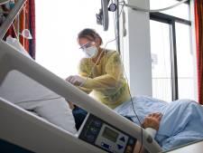 Ziekenhuizen vol coronapatiënten: 'Huisarts moest anderhalf uur rondbellen voor een bed'