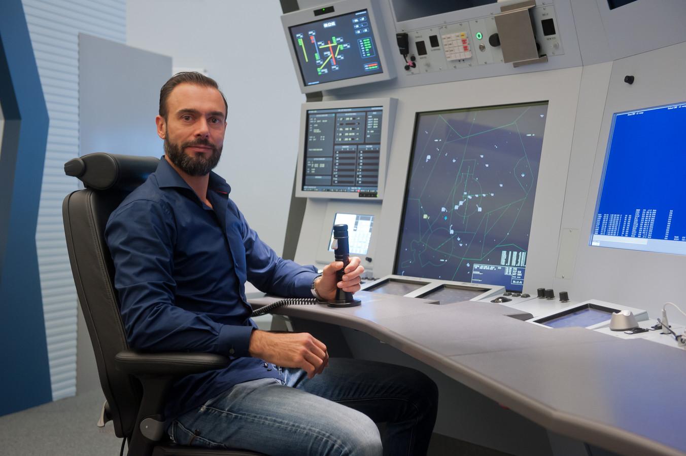 Martijn Duijkers, luchtverkeersleider bij LVNL