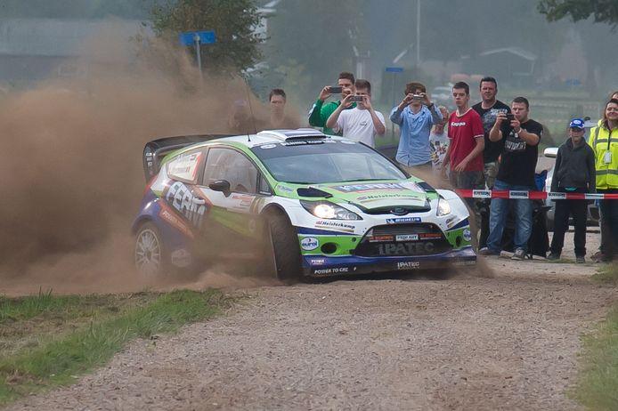 Beeld uit een van de vorige edities van de Hellendoorn Rally: coureur Dennis Kuipers in actie op proef Ligtenberg bij Rijssen.