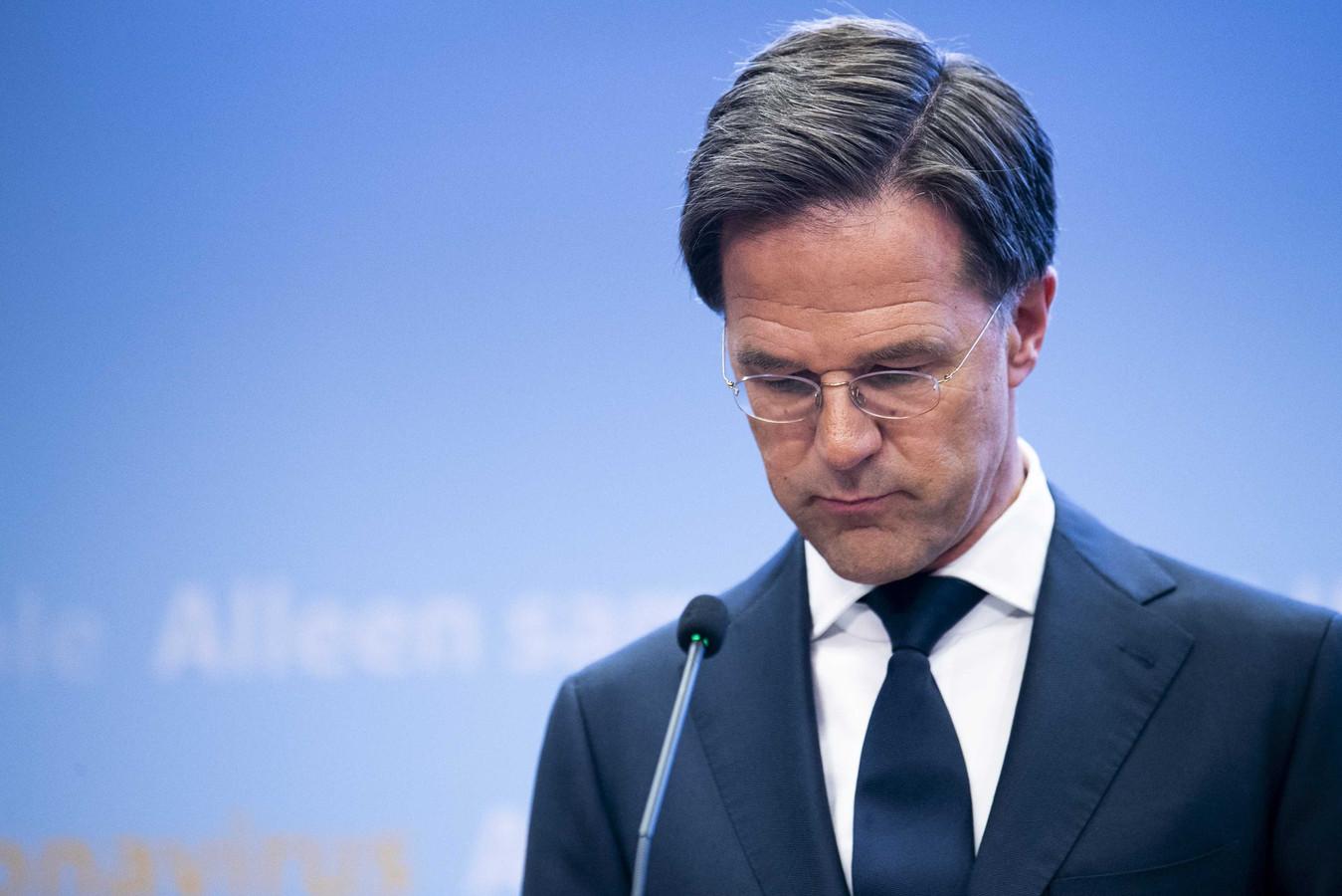 Premier Rutte tijdens een persconferentie over het coronavirus.