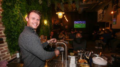 """""""Mijn broer heeft het toch maar geflikt hé"""": Wouter Mignolet volgde Real Madrid-Club Brugge op het grote scherm in zijn Truiense koffiebar"""