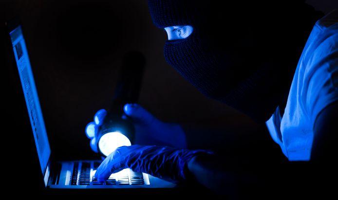 Dit jaar zijn al twaalf inwoners van de gemeenten Hellendoorn, Rijssen-Holten en Wierden het slachtoffer geworden van de 'Microsoft-oplichters'.