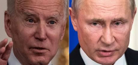 """Biden persiste et signe, Poutine lui propose une discussion diffusée """"en direct"""""""