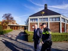 Burgemeester Krimpen over vuurwerkbom bij Mieraskerk: 'Dit geweld is verschrikkelijk'