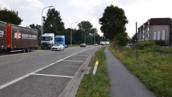 """Heisa over nieuwe parkeerstroken aan Martelarenlaan: """"Parkeren voor vrachtwagens blijft mogelijk"""""""