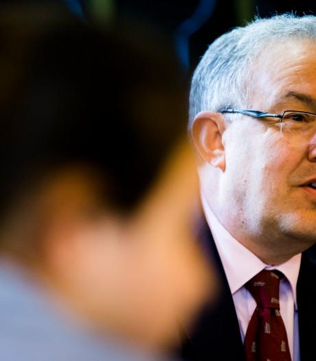 Aboutaleb: 'Pensioen agenten vrijwillig uitstellen'